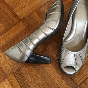 Nurture by Lamaze Shoes - Nurture pewter heels size 8